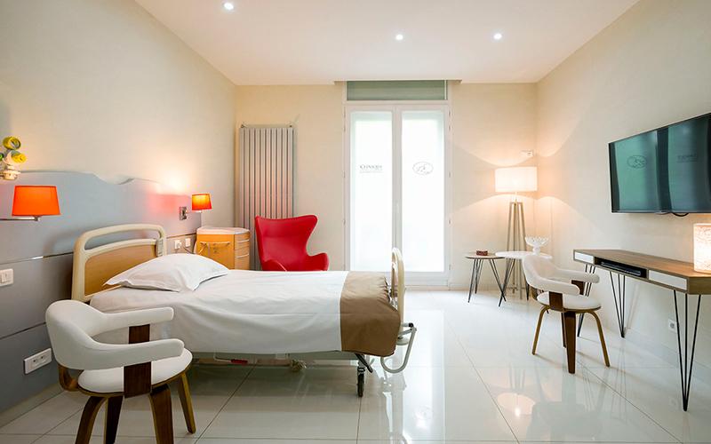 Chambre du cabinet Bergeret-Galley, chirurgie esthétique à Paris 75008